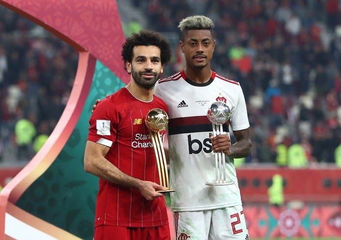 Salah e Bruno Henrique Flamengo e Liverpool — Foto: REUTERS/Ibraheem Al Omari
