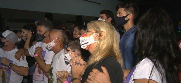 Família de Juliette se reuniu no Clube Campestre, em Campina Grande, para assistir a final do BBB21 — Foto: Reprodução/TV Paraíba