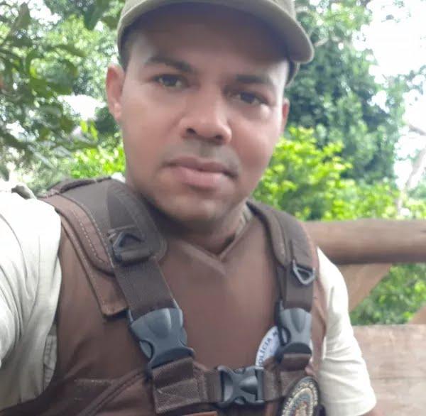 Policial militar que 'surtou' e disparou tiros para cima na região do Farol da Barra, em Salvador era lotado na 72ª CIPM — Foto: Reprodução / Redes Sociais