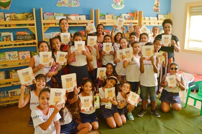 Biblioteca recebe alunos de escolas públicas — Foto: Clube Tamboril/ Divulgação