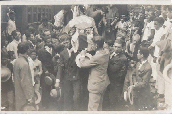 Corpo de João Pessoa foi enterrado na capital do Brasil na época, o Rio de Janeiro, sob comoção — Foto: Arquivo Pessoal/Eduardo Cavalcanti