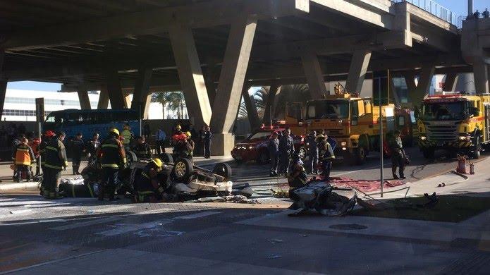 Dois ocupantes do veículo morreram no local