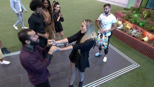 BBB21: Sarah se despediu de Gilberto — Foto: Globo