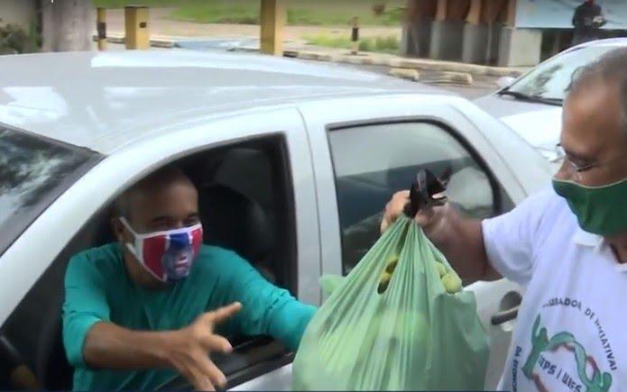 Após um mês parados, pequenos agricultores de Feira de Santana vendem produtos através de 'drive thru' — Foto: Reprodução/TV Subaé