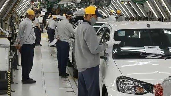 Trabalhadores da Toyota nas fábricas de Sorocaba e Porto Feliz — Foto: Reprodução/TV TEM