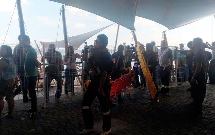 Criança é atendida pelo Samu no terminal Náutico de Salvador