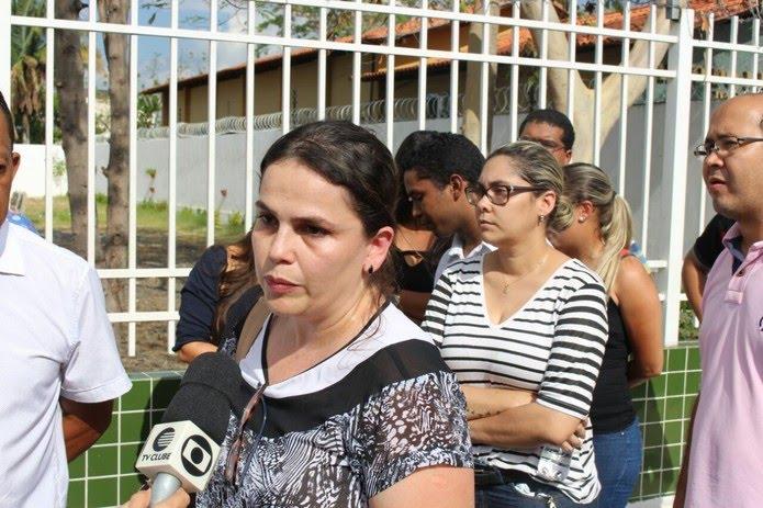 A fiscal estadual agropecuária Elaine Cristina Dantas relata problemas na prova.