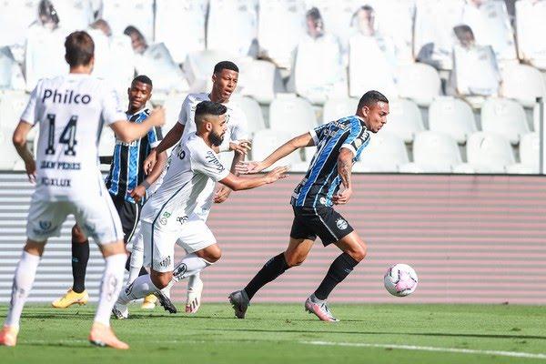 Luiz Fernando em derrota do Grêmio para o Santos — Foto: Lucas Uebel/Grêmio