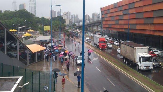 Avenida ACM, em Salvador — Foto: Isabela Cardoso/G1