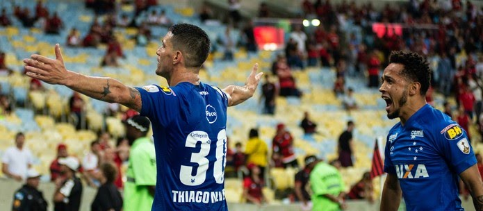 Thiago Neves encerra jejum após boa jogada de Rafinha (Foto: Bruno Haddad/Cruzeiro)