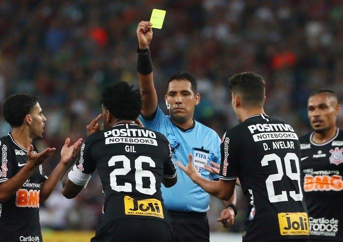 Diego Haro em ação em um jogo do Corinthians este ano pela Copa Sul-Americana — Foto: Pilar Olivares/Reuters