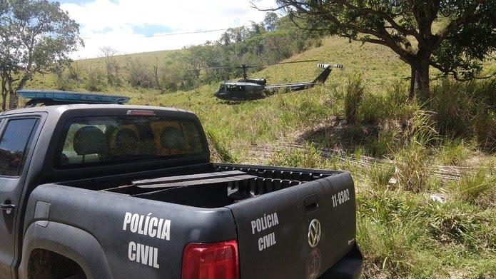 Policiais utilizaram helicóptero para encontrar traficante 3N, que estava em um sítio em Itaboraí, na Região Metropolitana do Rio — Foto: Reprodução/ Polícia Civil