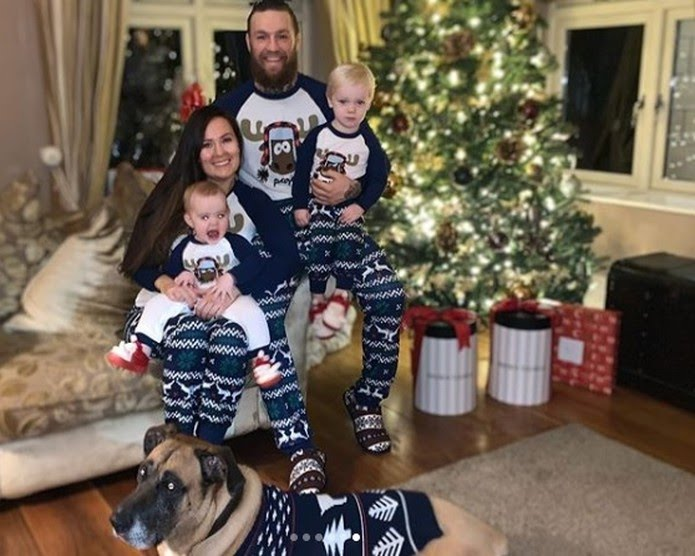 Conor McGregor reune a família na véspera do Natal — Foto: reprodução/Instagram