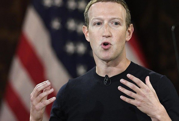 Mark Zuckerberg: Fortuna do dono do Facebook, WhatsApp e Instragram encolheu — Foto: Nick Wass/AP