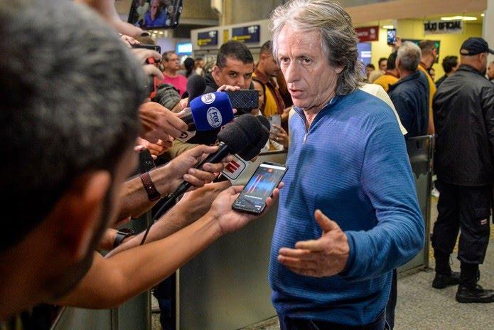 Jesus desembarcou no aeroporto do Galeão na manhã desta segunda-feira  — Foto: Marcelo Cortes/Flamengo