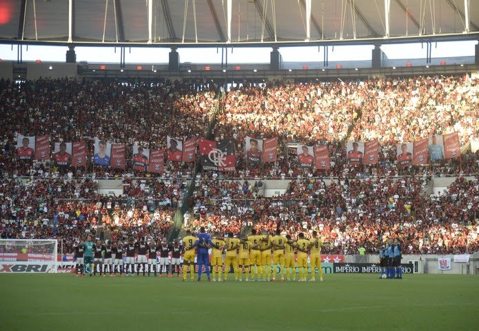 Homenagem a garotos do Ninho em Flamengo x Madureira — Foto: André Durão