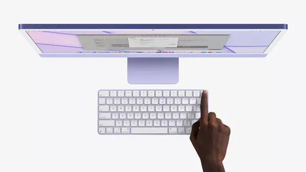 Teclado da Apple agora vem com TouchID, leitor de impressão digital. Modelo vem com iMac que custa a partir de R$ 20.099. — Foto: Divulgação/Apple