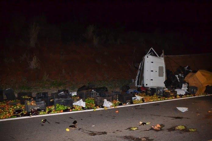 Acidente ocorreu na noite deste sábado (11), em Parapuã (Foto: Cristiano Nascimento/FM Metrópole)