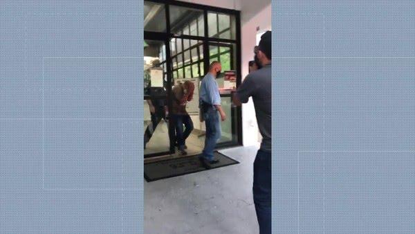 Técnico de enfermagem é preso por suspeita de estuprar paciente no Hospital Universitário da USP. — Foto: Reprodução/TV Globo