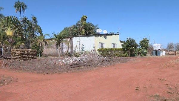 Casa onde ocorreu a chacina, no Núcleo Rural Alexandre Gusmão, no DF — Foto: TV Globo / Reprodução