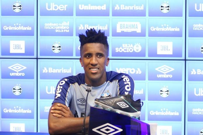 Bruno Cortez, lateral do Grêmio — Foto: Eduardo Moura