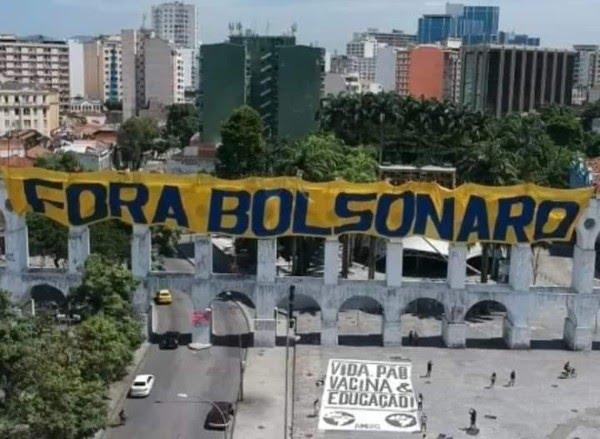 Rio de Janeiro - Manifestantes fizeram ato no Centro do Rio contra o presidente Bolsonaro — Foto: Arquivo pessoal