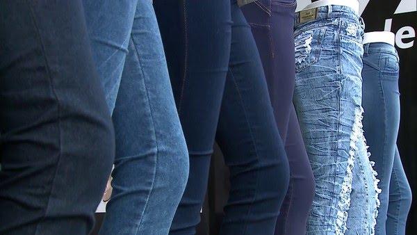 Algodão está presente nas calças jeans — Foto: GloboNews