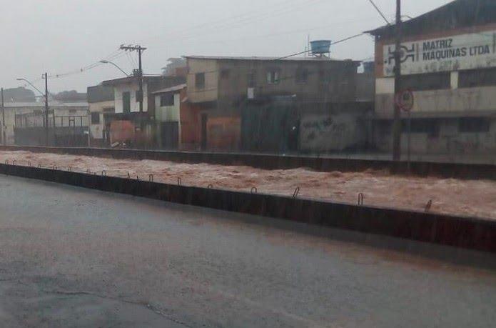 Chuva na Tereza Cristina — Foto: Defesa Civil de BH