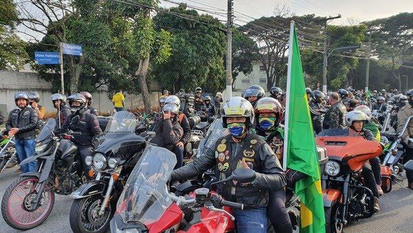 Motociclistas participam de evento com o presidente Jair Bolsonaro em SP — Foto: Henrique Picarelli/GloboNews