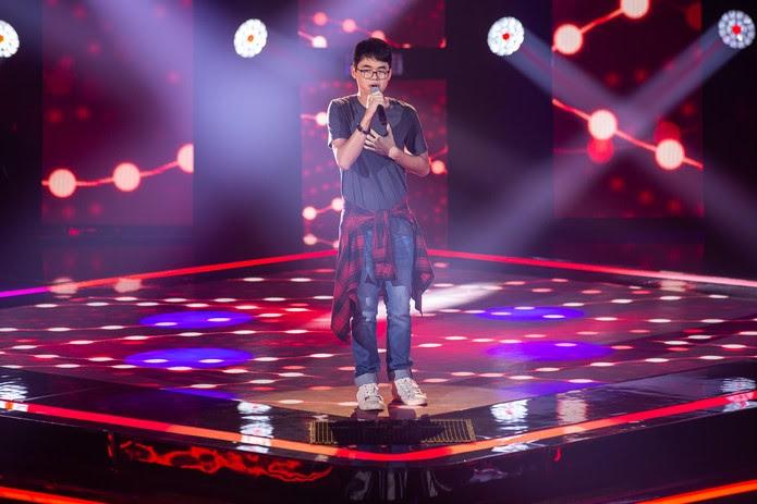 Pedro Ogata se apresenta no 'The Voice Kids — Foto: Artur Meninea/Gshow