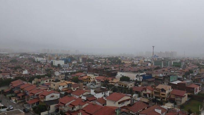 Chuva deve seguir em Natal no fim de semana (arquivo) — Foto: Fernanda Maribondo