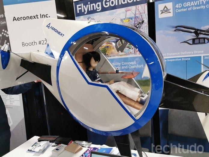Interior do Flying Gondola revela itens para maior conforto; aeronave pode ganhar versão para quatro ocupantes — Foto: Aline Batista/TechTudo