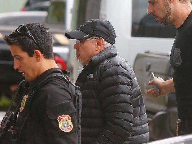 O ex-ministro Guido Mantega chega à sede da PF em SP (Foto: Marcos Bezerra/Futura Press/Estadão Conteúdo)