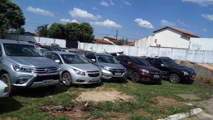 Sete veículos de luxo também foram apreendidos pela polícia, em Goiás