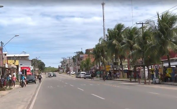 Os pontos comerciais ficam às margens da BA-001  — Foto: Reprodução/TV Bahia