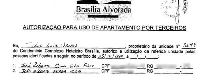 Reprodução do documento assinado por Júlio Urnau que autoriza Fraga e o filho a usarem o apartamento sempre que quisessem