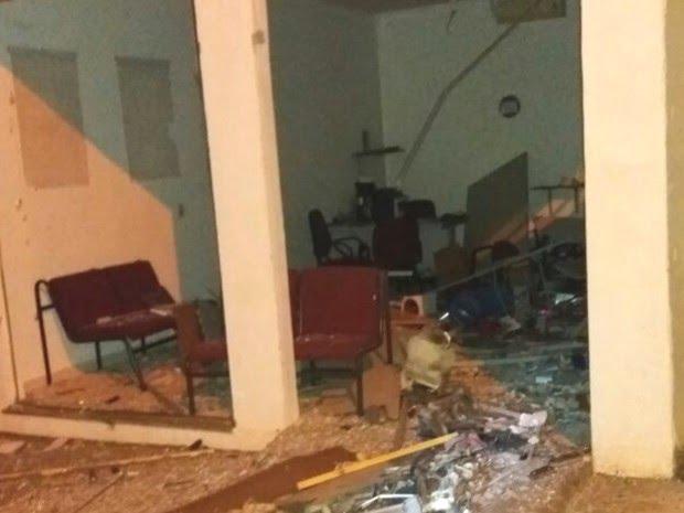 Criminosos explodem posto de atendimento de banco em Cristianópolis, Goiás (Foto: Arquivo pessoal/ José Luis de Sousa)