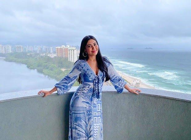 Thaynara OG mostra vista incrível do seu apartamento carioca. (Foto: Reprodução/Revista Casa & Jardim).